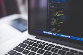 iOSのアプリ開発にはどんな言語があるの?Swift, Objective-C, Javaについてまとめました。
